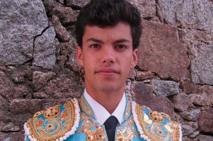 18. Rodrigo Molina