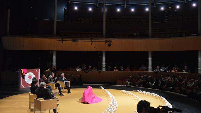 Aspecto-Teatro-Congreso-Internacional-Tauromaquia_EDIIMA20150301_0012_15